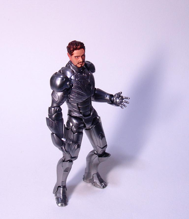 ironman_markII_revoltech0.jpg
